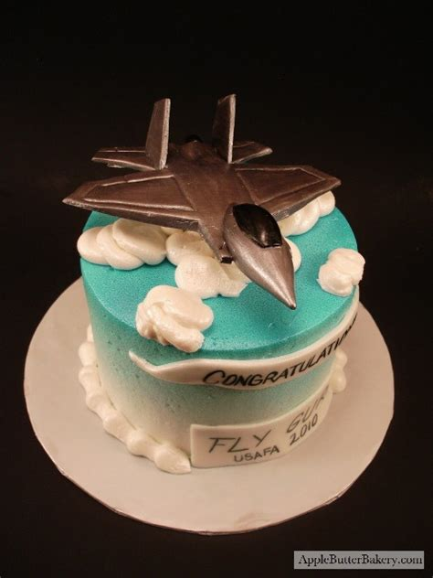 Fighter Jet Cake could also just do a cute sky design on
